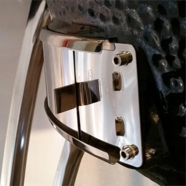 An XL bottom control pane for precision air-intake control
